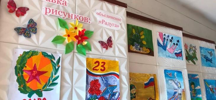 Выставка рисунков ко Дню Защитника Отечества